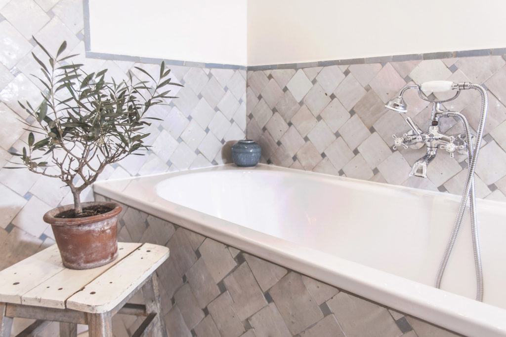 Antibes Rental - Maison du Village - Bathroom