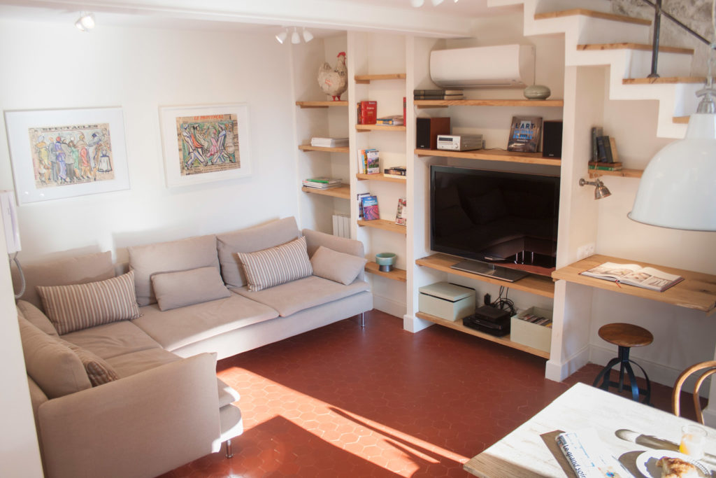 Antibes Rental - Maison du Village - Living Room