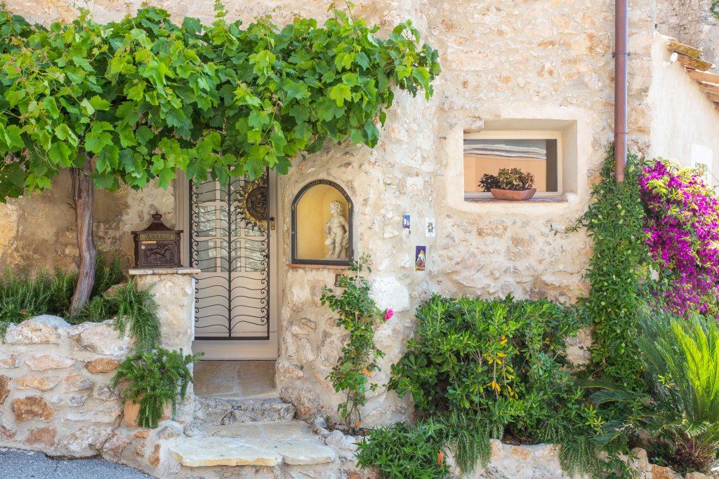 Antibes Rental - Clos des Vignes - entrance